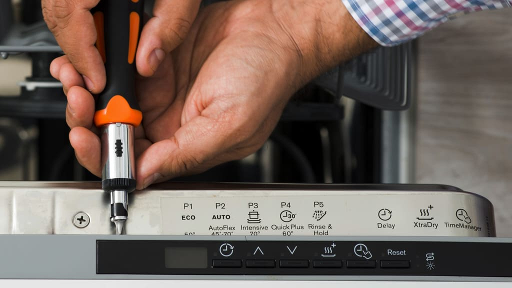 How To Load Your Dishwasher Effectively